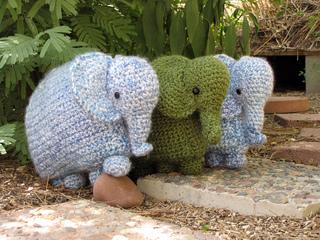 Elephants Emil & Emma amigurumi pattern | 240x320