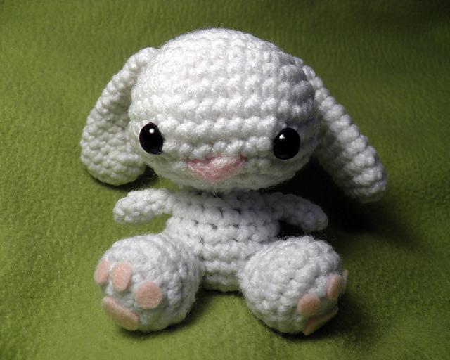 Little Amigurumi Bunny - Free Crochet Pattern - Stella's Yarn Universe   512x640