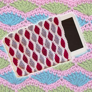Crochet tablet cover