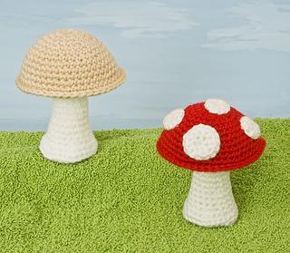 Crochet Mushroom Doll Amigurumi Free Pattern + Video - DIY Magazine   279x320