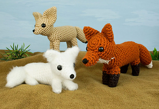 Red Fox is also sold as part of the *Red, Arctic and Fennec Foxes* set.