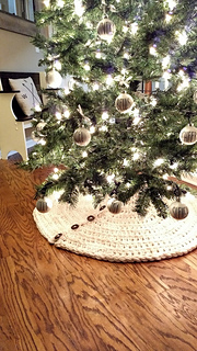 Christmas Tree Skirt Patterns.Farmhouse Christmas Tree Skirt Pattern By Cozy Nooks Designs