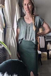 """39"""" garment on 36"""" chest, body length knit to 12"""" before upper body split."""