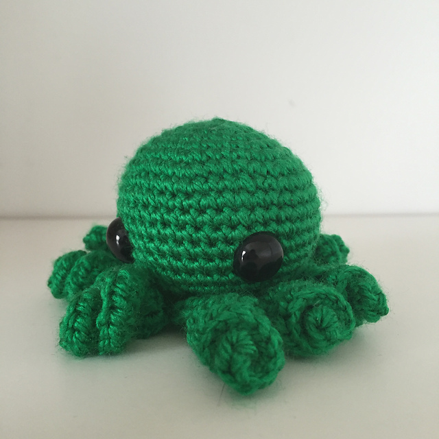 Claude the Octopus amigurumi pattern - Amigurumipatterns.net | 640x640