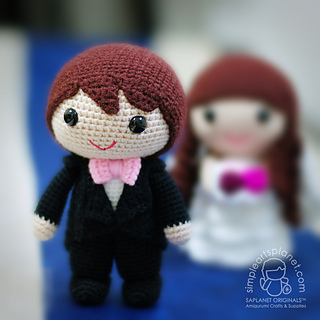 Loving Bride and Groom Wedding Dolls | Crochet dolls free patterns ... | 320x320