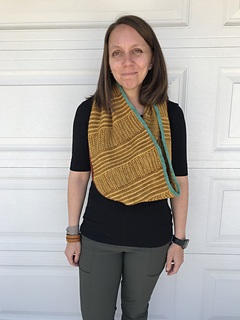 Medium cowl in 2 colors with 2 contrast color applied icord edges