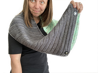Air Hugs Wrap is long enough to wear as an infinity cowl, using JUL removable buttons as temporary closures.
