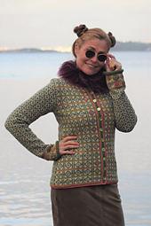 Hippie Jacket Design&photo: Sidsel J. Høivik / sidselhoivik.no  Yarnkit from www.sidselhoivik.no