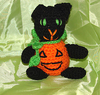Ravelry: Cube Kitty Cat pattern by Crafty Bunny Bun | 306x320