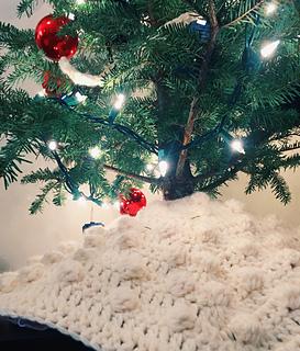 Tiny Christmas.Ravelry Mini Christmas Tree Skirt Pattern By Magali Mcdonald