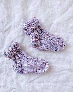 knitted baby socks in shape of corn \u0434\u0435\u0442\u0441\u043a\u0438\u0435 \u043d\u043e\u0441\u043e\u0447\u043a\u0438---\u043a\u0443\u043a\u0443\u0440\u0443\u0437\u043a\u0430      \\