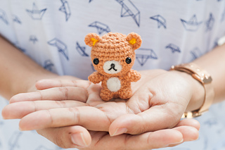 Crochet Carrot Hugging Bunny | 213x320