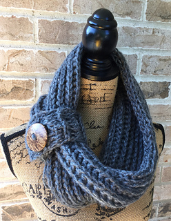 Chilly Day Cowl by Melivia Mutch