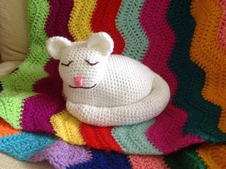 Ravelry: Sleepy Kitty Doorstop pattern by Brenda K. B. Anderson | 239x320