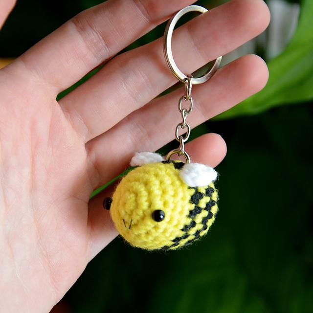 Little High Flyer Bumble Bee amigurumi pattern - Amigurumipatterns.net | 640x640