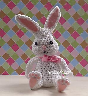 Free Crochet Pattern for a Little Amigurumi Bunny, So Adorable! | 320x296